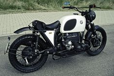 BMW R100/7 with Supertrapp