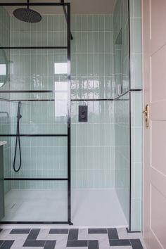 Amazing DIY Bathroom Ideas, Bathroom Decor, Bathroom Remodel and Bathroom Projects to greatly help inspire your master bathroom dreams and goals. Bathroom Red, Bathroom Storage, Modern Bathroom, Bathroom Ideas, Bathroom Organization, Bathroom Designs, Bathroom Faucets, Shower Ideas, Lavender Bathroom
