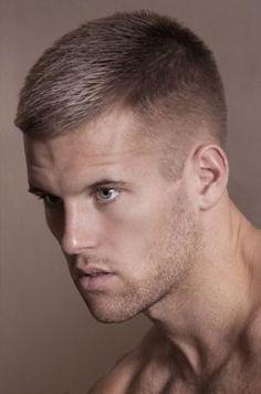 cortes de pelo corto para hombres jóvenes