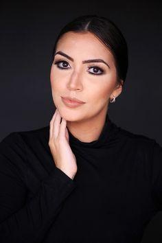 Modelo:Vanessa Vasconcelos  Yara Prado – www.yaraprado.com.br  Makeup Artist & Hair. Aibrush Makeup. Cursos de Maquiagem Profissional, Automaquiagem e Produções.  Snap: yarapradomakeup / Whatsapp 61 8466.5667 / Instagram @yarapradomakeup