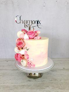 The Kaleidoscope Cake 30th Birthday Cake For Women, Birthday Cake For Women Elegant, Elegant Birthday Cakes, 21st Birthday Cakes, Beautiful Birthday Cakes, Birthday Cake Ideas For Adults Women, Birthday Parties, 18th Cake, Mom Cake