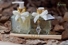 Essa linha vai perfumar e iluminar seu lavabo: união perfeita entre notas florais e amadeiradas, originando uma fragrância delicada e única!