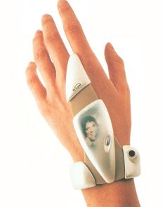 Wearable Trium 'Glove-Phone' prototype (2001) Originally posted by year2000@tumblr.com