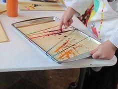 Las gomas elásticas además de servir para sujetar cosas nos van a servir para pintar de forma muy original.     Ponemos en una caja o ban...
