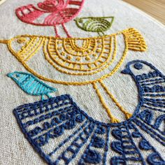 Diy Embroidery Kit, Wooden Embroidery Hoops, Embroidery Sampler, Hand Embroidery Patterns, Cross Stitch Embroidery, Indian Embroidery, Diy Broderie, Needlework, Shopping Sites