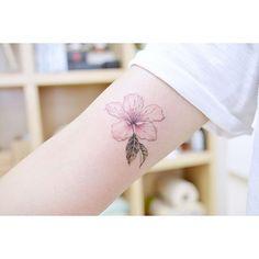 : Cherry blossom  . . #tattooistbanul #tattoo #tattooing #flower #flowertattoo  #cherryblossom #tattoosupplybell #tattoomagazine #tattooartist #tattoostagram #tattooart #tattooinkspiration #타투이스트바늘 #타투 #꽃 #꽃타투 #벚꽃 #벚꽃티투