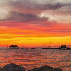 I colori  del tramonto  #sky_sultans#tramonti_italiani#sunset_vision#loves_skyandsunset #italia_bestsunset#igsunset#besttoscanapics #loves_toscana_#loves_life#super_photosunsets#romantic_lights#goliaitalia#italia_bestsunset#loves_mediterraneo_#best_sunset#volgotoscana #photosunsets_nat#loves_united#toscana_bestsunset#italia_super_pics#igerstoscana #sunset_mania_ #sunset_vision#ig_sunset_#ishot_italia#hdr_for_all#hdr_photogram#toscana_super_pics#bestnature__pics#almostperfect_hdr by mkst0284