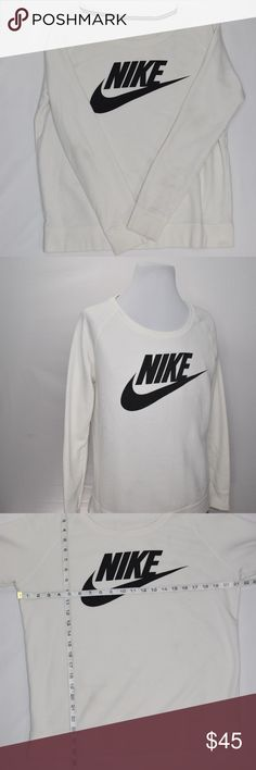 c97015ef53d Vintage 90 s NIKE Sweatshirt In very good preowned condition. The tag has  been removed but