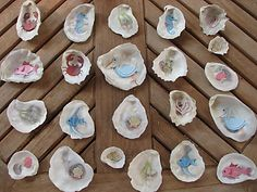 kids crafts shell memory game -- my daughter collects so many shells that we run out of ways to display or use them.this is a great idea! Rock Crafts, Arts And Crafts, Diy Crafts, Learning Games, Kids Learning, Early Learning, Activities For Kids, Crafts For Kids, Beach Activities