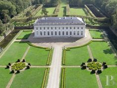 chateaux for sale France ile de france century - 24 French Formal Garden, Paris Seine, Villas, Mansions Homes, Big Mansions, French Architecture, Luxury Estate, Marquise, Formal Gardens