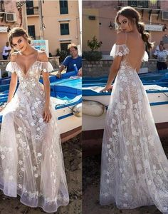 Sexy V-neck White Sling Off Shoulder Prom Dresses - Hochzeit und Braut Dream Wedding Dresses, Boho Wedding, Bridal Dresses, Wedding Gowns, Girls Dresses, Bridesmaid Dresses, Formal Dresses, Maxi Dresses, Floral Wedding