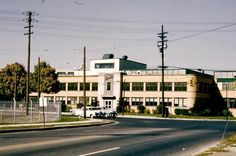 Flint Expatriates: Flint Photos: Buick Service and Parts Building in the Fifties Flint Michigan, Buick, Mid Century, Things To Come, Mansions, House Styles, Building, Places, Fisher