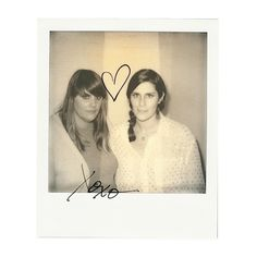 Kate & Laura Mulleavy de Rodarte, le 10 septembre 2013 à New York http://www.vogue.fr/mode/news-mode/diaporama/portraits-de-createurs-au-polaroid-instantanes-de-fashion-week-printemps-ete-2014-olivier-rousteing-jean-paul-gaultier-alber-elbaz/15561/image/869248#!fashion-week-printemps-ete-2014-kate-amp-laura-mulleavy-de-rodarte-le-10-septembre-a-new-york