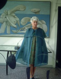 Peggy Guggenheim deserves a spot here too, I think. The American art patron & heiress Peggy Guggenheim before Picasso's painting 'On the Beach' via She's in Vogue Peggy Guggenheim, Max Ernst, Marcel Duchamp, In Loco, Picasso Paintings, Portraits, Art Moderne, Art Abstrait, Art Fair