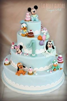 ideas for cake designs disney baby shower Mickey And Minnie Cake, Bolo Mickey, Mickey Cakes, Minnie Mouse, Fancy Cakes, Cute Cakes, Winter Torte, Baby Birthday Cakes, Birthday Cake Disney