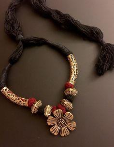 ethnic flower pendant neckpiece