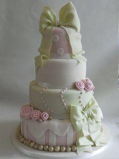 www.weddbook.com everything about wedding ♥ Wedding Cake #cake #wedding #food #bow
