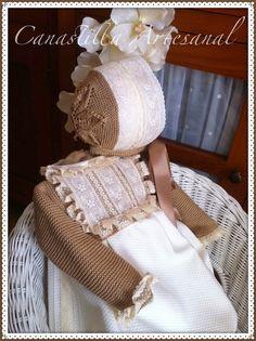Hay algunos diseños que tienen una historia muy tierna detrás, este pelele es uno de ellos..     Dolores, abuela enamorada de sus nietos, n...