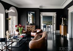 Try Black Walls And Brown Leather For An Unsuspecting Match - ELLEDecor.com