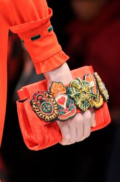Milan fashion weeks 288371182392095743 - Moschino at Milan Fashion Week Fall 2013 – Details Runway Photos Source by Embroidery Bags, Embroidery On Leather, Fashion Bags, Milan Fashion, Fashion Handbags, Street Fashion, Fashion Backpack, Boho Bags, Handmade Bags