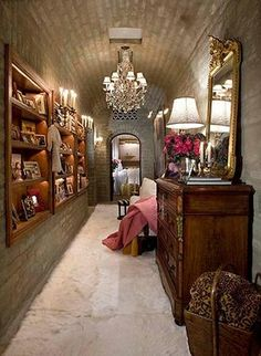 photos found here While perusing the internet the other night, I came across Suzanne Somers and Alan Hamel's Palm Springs home. Palm Springs Villas, Palm Springs Houses, Dressing Room Closet, Dressing Rooms, Suzanne Somers, Interior And Exterior, Interior Design, Interior Decorating, Decorating Ideas