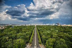 Views for days and views for miles. THIS is the rewards for your effort of climbing the Victory Monument. Can you even believe how lush Berlin is? I love visiting big cities and discovering beautiful green parks in them.