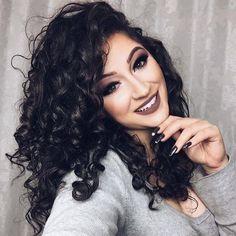 Duda me deixa ser vc na próxima vida? Hahahahaha mas a Senhora é MUITO MARAVILHOSA MESMO né nón? Sua beleza me inspira e seu talento com a maquiagem é IMPRESSIONANTE parabéns pela mulher linda que você é! Te amo de graça @oficialdudafernandes