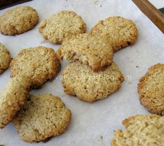 oatmeal-coconut crisps (flourless & GF)