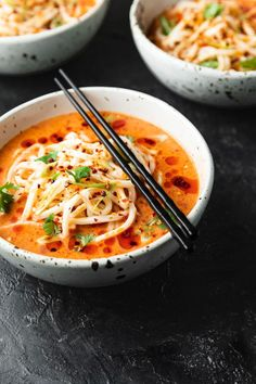 This vegan Spicy Udon Noodle Soup comes together in minutes. Coconut broth, chopped tomatoes, and hot chili oil form a spicy, sour, and creamy elixir. Vegetarian Miso Soup, Vegetarian Dinners, Vegetarian Recipes, Vegan Noodle Soup, Noodle Soups, Asian Noodle Recipes, Asian Recipes, Udon Recipes, Salads