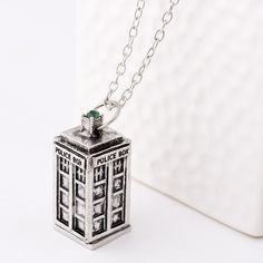 2014 nice design NEW BBC TV DOCTOR DR. WHO Police Box Telephone Booth Pendant 2 Color Hot Sale