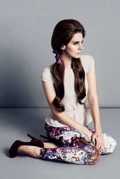 loving this outfit from the h+m fall collection. need those pants. and lana del rey looks gorgeous!