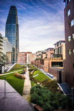 Giornate fredde ( ma non umide) che ci regalano in cielo meraviglioso Foto di Jean-Christophe Guisset #milanodavedere Milano da Vedere