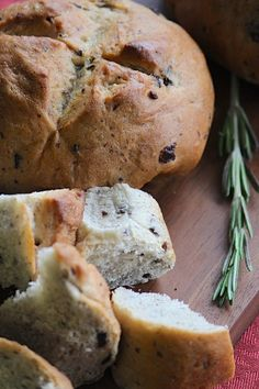 This rosemary and kalamata olive bread is authentically delicious! Whether you mix the bread in a bread machine or by hand, this is a fabulous bread for any olive-lover.Serve this bread with balsa…