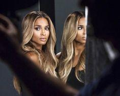 La chanteuse Ciara représente désormais la marque de produits cosmétique Revlon.