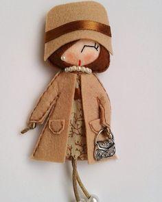 Брошки-куколки из фетра: