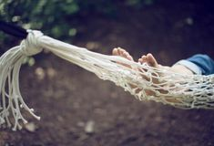 Roundup: 9 DIY Hammock Projects to Help You Enjoy Your Summer hammock