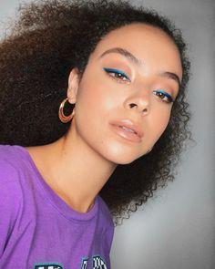 Make Up & Hair delineado azul? Julia Rodrigues Why should consider online San Diego jewelry b Makeup Trends, Makeup Inspo, Makeup Inspiration, Makeup Tips, Makeup Tutorials, Makeup Art, Makeup Ideas, Daily Makeup, Glam Makeup
