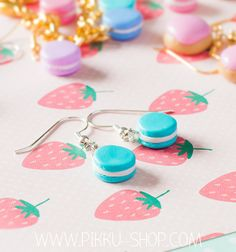 A cute pair of handmade miniature macaron earrings. French Macaron, Kawaii Jewelry, Macarons, Polymer Clay, Miniatures, Turquoise, Drop Earrings, Cute, Shop