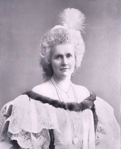 http://www.unofficialroyalty.com/elisabeth-of-wied-queen-of-romania/