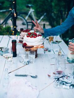 Midsummer Cake! (Photo by Lovisa Gustafsson)