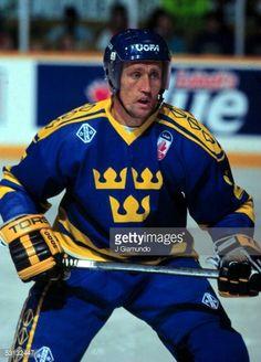 Swedish star, Borje Salming was inducted to the Hockey Hall of fame. Hockey Baby, Ice Hockey, Hockey Games, Hockey Players, Canada Cup, Hockey Hall Of Fame, Hockey World, Goalie Mask, Sports Figures