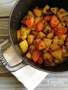 ストウブ鍋でジャガイモとニンジンのサブジ by Legelo / レシピサイト「Nadia | ナディア」プロの料理を無料で検索