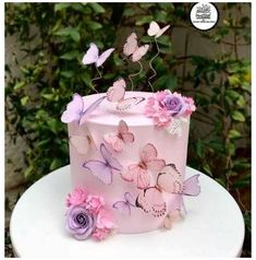 Purple Butterfly Cake, Butterfly Birthday Cakes, Pretty Birthday Cakes, Butterfly Cakes, 24th Birthday Cake, Girl Shower Cake, Baby Girl Shower Themes, Girl Baby Shower Decorations, Unique Baby Shower Cakes