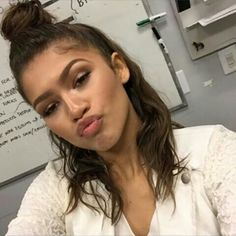 [new photo]  Material girl : More pics on snapchat!  Add @MaterialGirlBTS on snap. Daya is so adorableeee. #zendaya