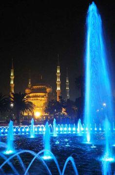 Mesquita Azul, em Istambul (Turquia) - Foto: Ticiana Giehl e Marquinhos Pereira/Escolha Viajar