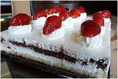 Tvarohový sen Sweet Desserts, Sweet Recipes, Dessert Recipes, Oreo Cupcakes, Russian Recipes, Pavlova, A Table, Recipies, Cheesecake