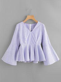 Blusa con cuello en V y manga acampanada de rayas verticales con volante-Spanish SheIn(Sheinside)