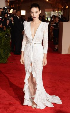 pAs cochair of the fantastic fashion event, the actress looked spectacular in an alluring lace design by Givenchy with a plunging neckline and ruffled center slit. Zippered details and Jennifer Meyer rings added a subtle punk element./p