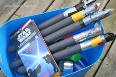 Star Wars party: kids make lightsabers, and lots of other ideas