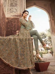 Looking to buy Anarkali online? ✓ Buy the latest designer Anarkali suits at Lashkaraa, with a variety of long Anarkali suits, party wear & Anarkali dresses! Bridal Anarkali Suits, Wedding Salwar Kameez, Indian Bridal Lehenga, Pakistani Bridal Dresses, Pakistani Dress Design, Anarkali Dress, Shadi Dresses, Indian Gowns Dresses, Gala Dresses